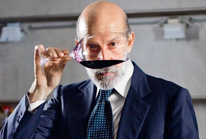 Дегустация в темноте: вино «Массандры» вошло в список фаворитов Луки Марони