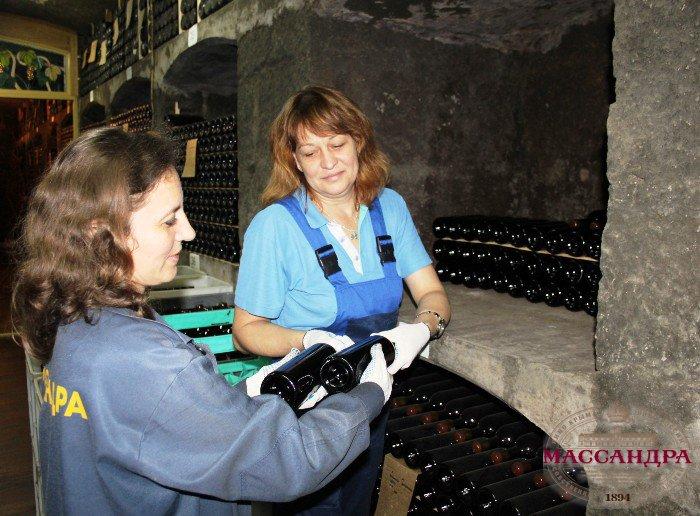 В  «Массандре» отправят на хранение вино, которое не закладывалось в коллекцию более 100 лет