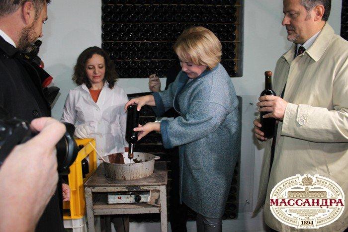 Визит итальянцев: сухое вино «Массандры» покорило гостей