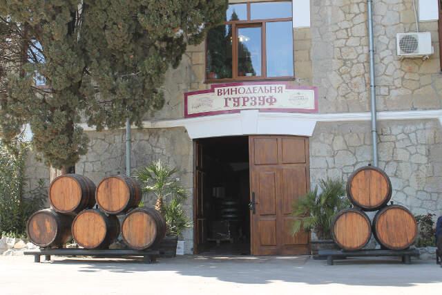 Сделано в Крыму: особенное вино для особых случаев – СМИ о гурзуфской винодельне «Массандры»