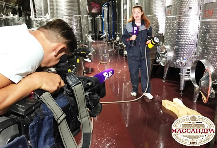 На массандровской винодельне открыт сезон трудового туризма – сюжет IZ.ru